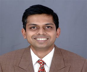 Dr. Arun L Naik - Best Neurosurgeons in India